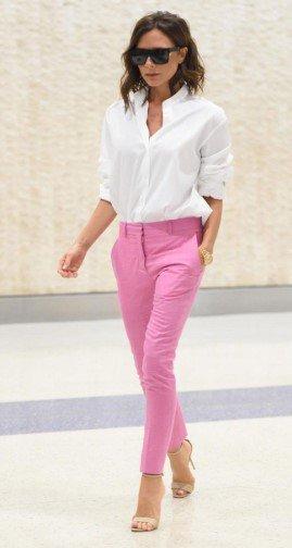 ae94b572527a Ροζ παντελόνι  Το απόλυτο trend του καλοκαιριού που μπορείς να ...
